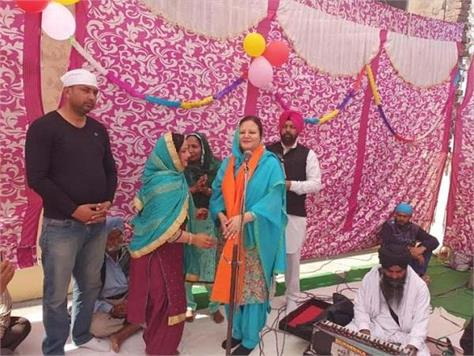 nimisha mehta celebrates ravidas jayanti with residents of mahalpur