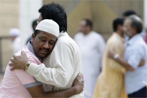 here people present the example of hindu muslim brotherhood