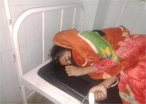 civil hospital doctor refuses to treat a girl suffering from cough and fever