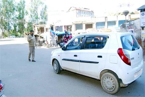 police seized licenses of two wheeler drivers