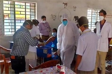 special team of icmr took blood samples of 400 villagers from 10 villages