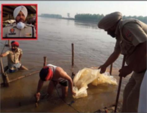 illegal liquor business busted on sutlej river
