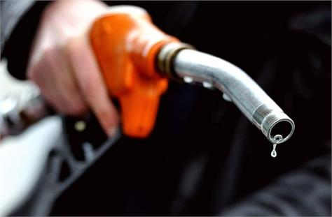 oil prices set new record petrol reaches near rs 92