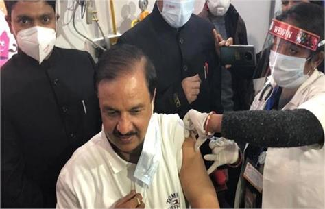 dr mahesh sharma became the first mp to get corona vaccine said