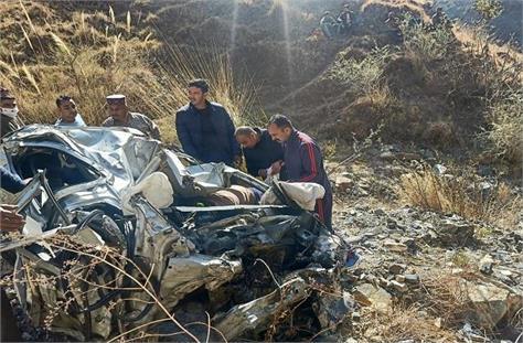 road accident in mandi three delhiites died