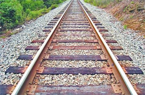 youth killed by train in madhepura mourning family members
