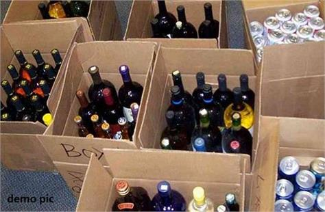 496 cartons of foreign liquor loaded on truck recovered in bhagalpur