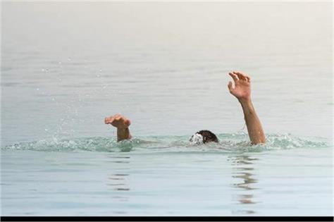 young man drowned with a friend in the beas river