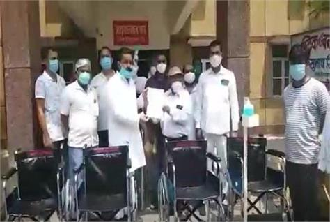 bsp mp made stretcher and wheelchair available in district hospital