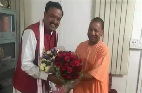 big news cm yogi reached deputy cm maurya s house