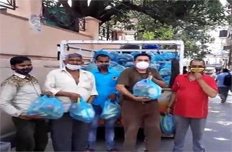 vegetable vendors set an example in lockdown helped 200 needy families