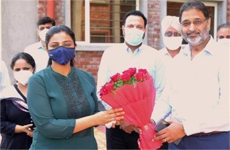 kapurthala deepti uppal inaugurated solar power plant at gna university