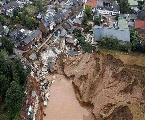 china is facing record floods extremely severe catastrophe kills over 25