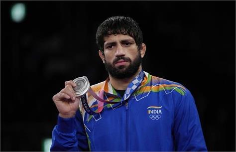 ravi dahiya won silver medal in wrestling